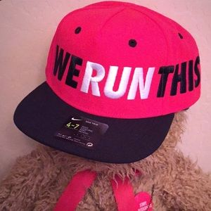 😜HP🙃 Nike Kids We Run This SnapBack Cap